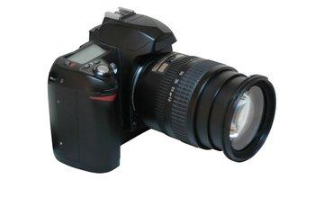digital-slr-camera-2-1417917[1]