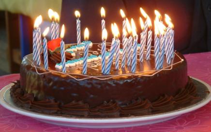 Ciasto urodzinowe PEC